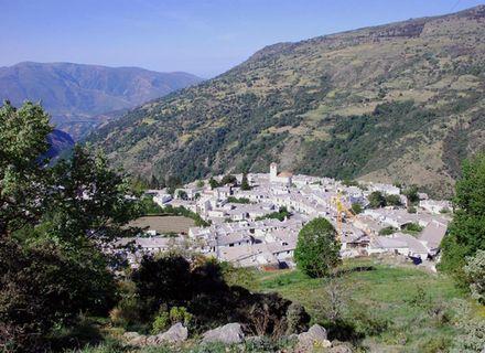 Tag 1  Anreise nach Bubion -Blick auf das Dorf Poqueira unterhalb der Ställe