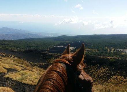 Tag 4  -  Nicosia - San Teodoro -Sizilien - Wanderritt von Cefalù zum Vulkan Ätna