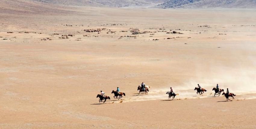 Reitsafari durch die Namib Wüste
