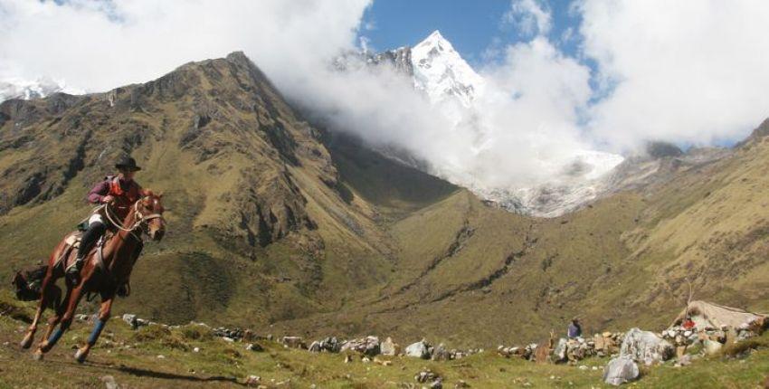 Peru - Soraypampa mit Salkantay Gipfel