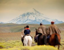 Argentinien-Vulkan-Lanin-am-Horizont