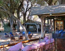 Lounge Bereich im Kujwana Camp