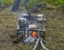 Kochen auf dem Holzfeuer