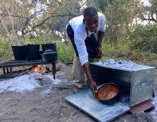 Kuchen Backen im Busch